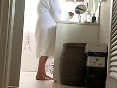 voyeur: holiday mom on hotel bath hidden cam