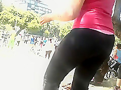 Candid booty dance